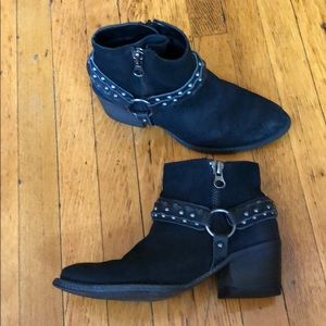 Crown Vintage black suede bootie 6.5